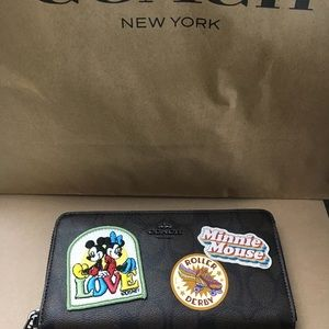 Authentic Coach Minnie Brown Signature Wallet